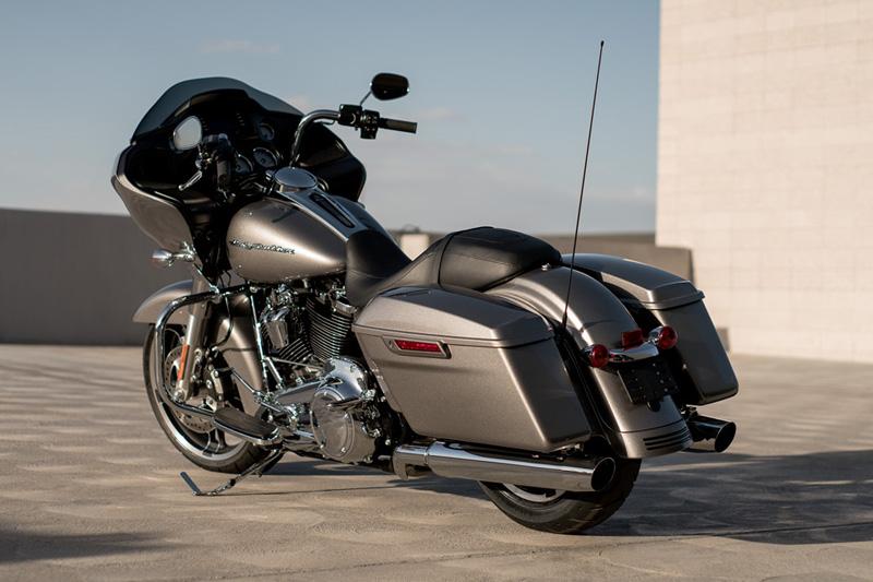 2017 Harley-Davidson Road Glide Base at Harley-Davidson of Fort Wayne, Fort Wayne, IN 46804