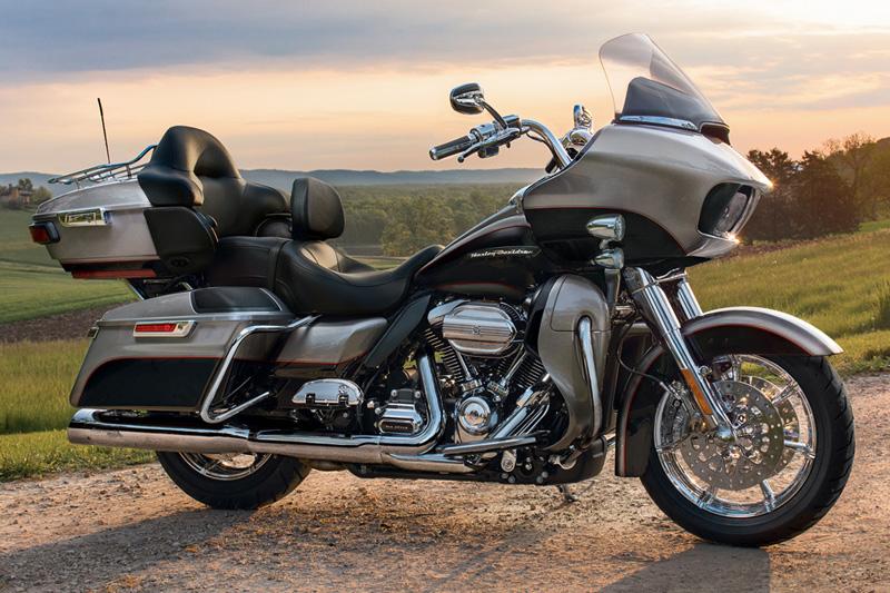 2017 Harley-Davidson Road Glide Ultra at Riders Harley-Davidson®, Trussville, AL 35173