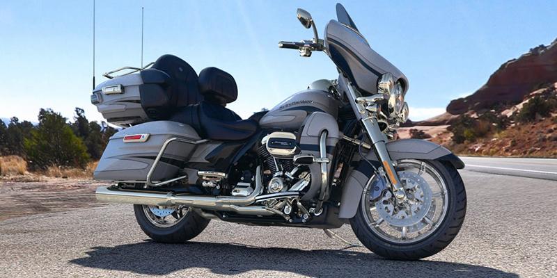 2017 Harley-Davidson Electra Glide CVO Limited at Gasoline Alley Harley-Davidson of Kelowna