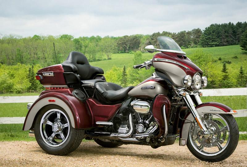 2018 Harley-Davidson Trike Tri Glide Ultra at Harley-Davidson of Fort Wayne, Fort Wayne, IN 46804