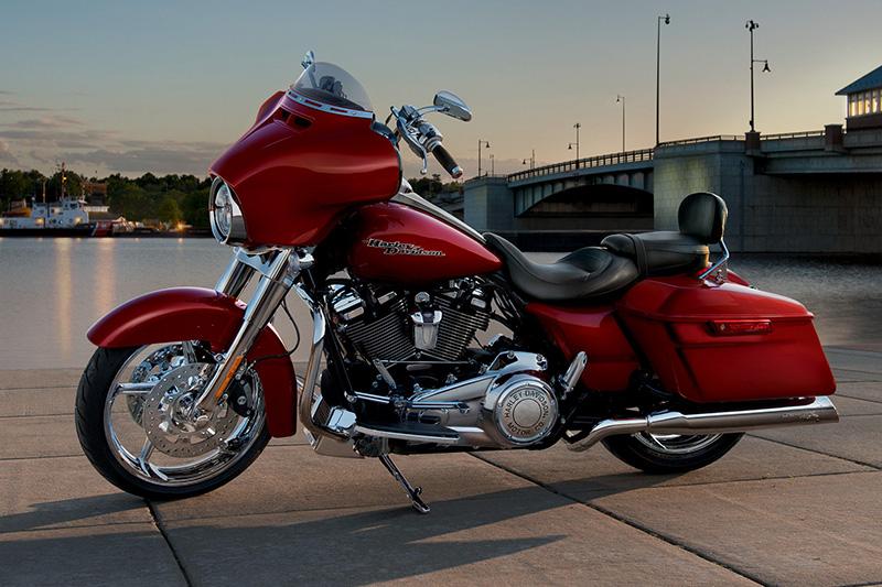 2018 Harley-Davidson Street Glide® Base at Waukon Harley-Davidson, Waukon, IA 52172
