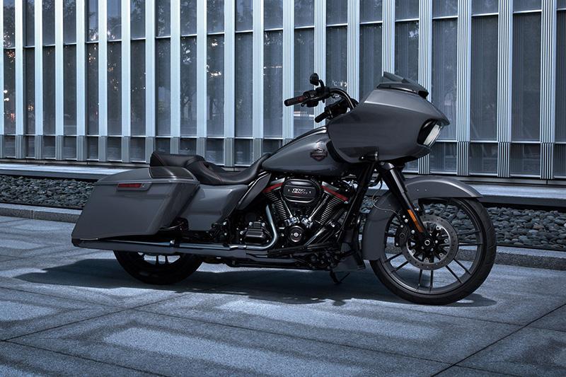 2018 Harley-Davidson Road Glide® CVO™ Road Glide® at Killer Creek Harley-Davidson®, Roswell, GA 30076