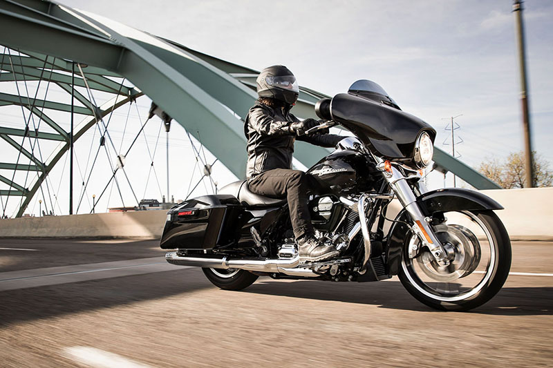 2019 Harley-Davidson Street Glide Base at Harley-Davidson of Fort Wayne, Fort Wayne, IN 46804