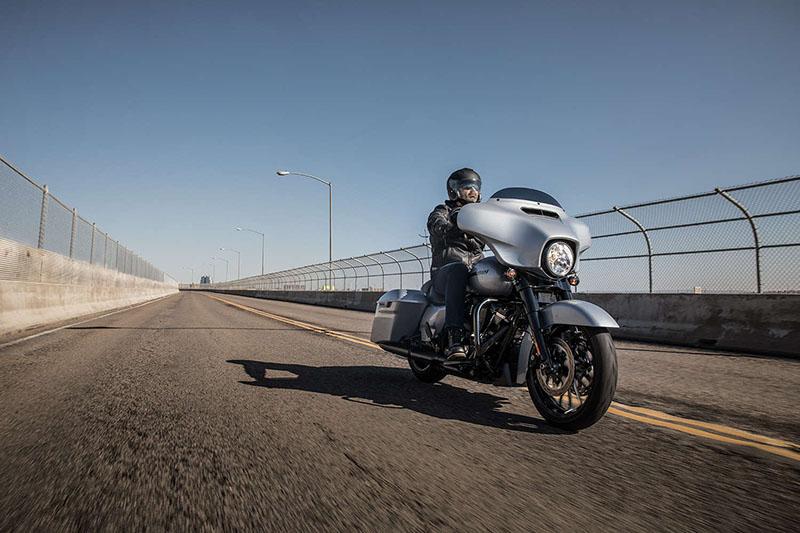 2019 Harley-Davidson Street Glide® Special at Harley-Davidson of Fort Wayne, Fort Wayne, IN 46804