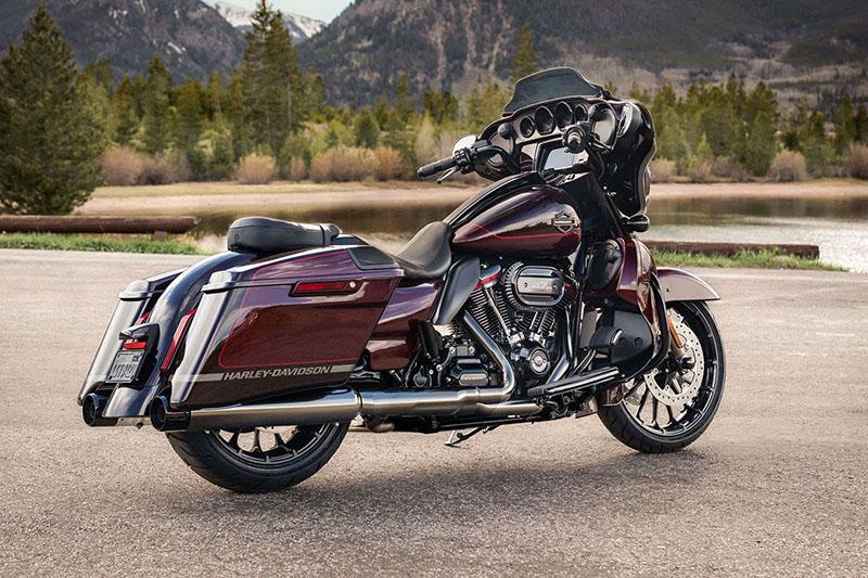 2019 Harley-Davidson Street Glide CVO Street Glide at Harley-Davidson of Fort Wayne, Fort Wayne, IN 46804