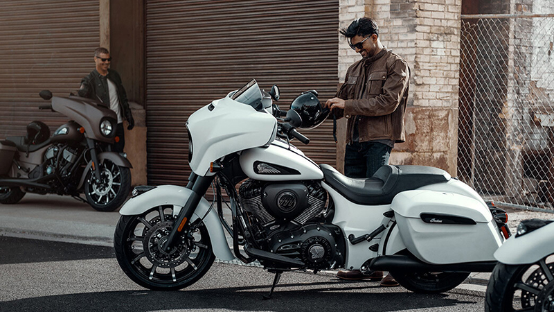 2019 Indian Chieftain® Dark Horse® at Mungenast Motorsports, St. Louis, MO 63123