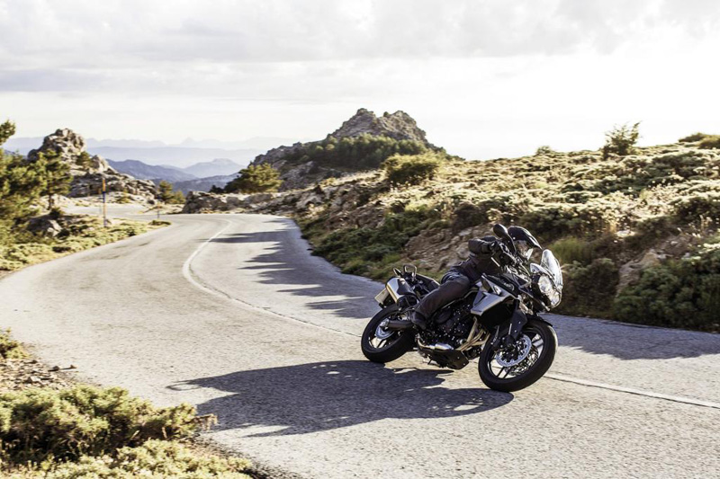 2019 Triumph Tiger 800 XR at Frontline Eurosports