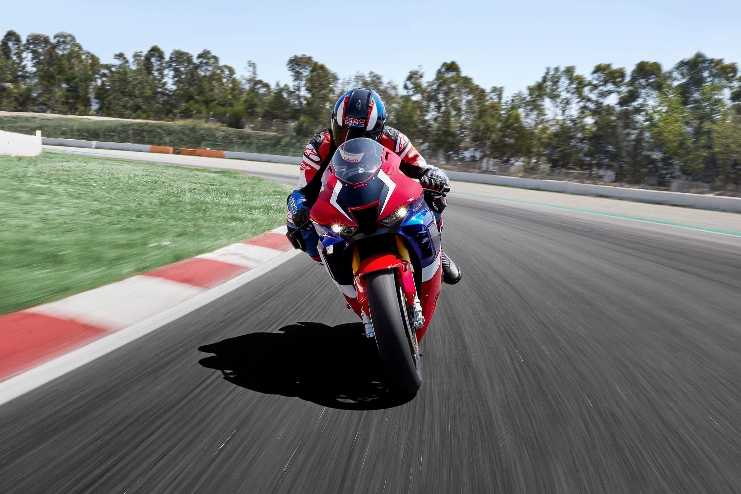 2021 Honda CBR1000RR-R Fireblade SP at Kent Motorsports, New Braunfels, TX 78130