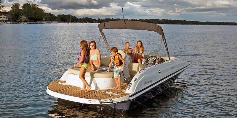 SunDeck Sport SS 205 I/O at Pharo Marine, Waunakee, WI 53597