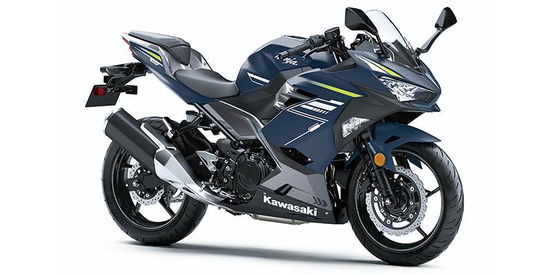 2022 Kawasaki Ninja 400 Base at Dale's Fun Center, Victoria, TX 77904