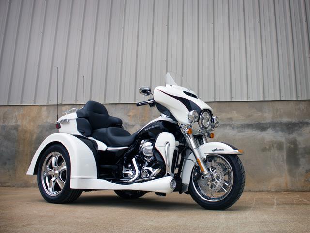 Harley-Davidson Gladiator at Randy's Cycle, Marengo, IL 60152