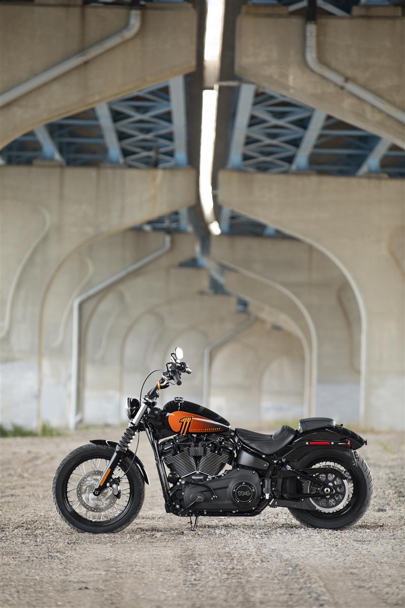 2021 Harley-Davidson Cruiser Street Bob 114 at Gasoline Alley Harley-Davidson (Red Deer)