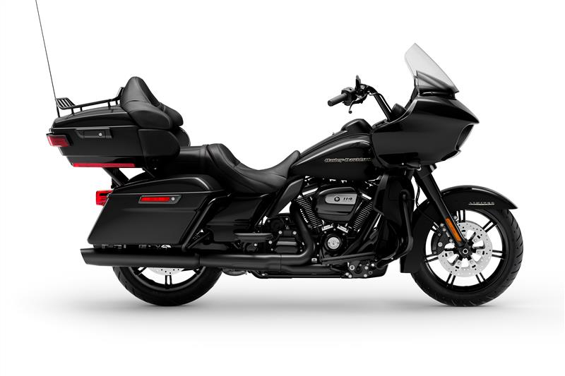 FLTRK Road Glide Limited at Bumpus H-D of Memphis