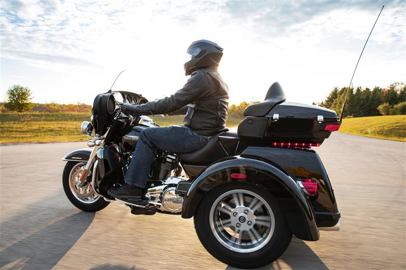 2021 Harley-Davidson Trike FLHTCUTG Tri Glide Ultra at Gasoline Alley Harley-Davidson (Red Deer)