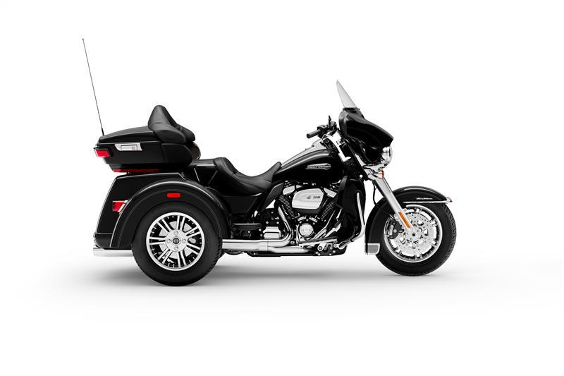 Tri Glide Ultra at Texas Harley