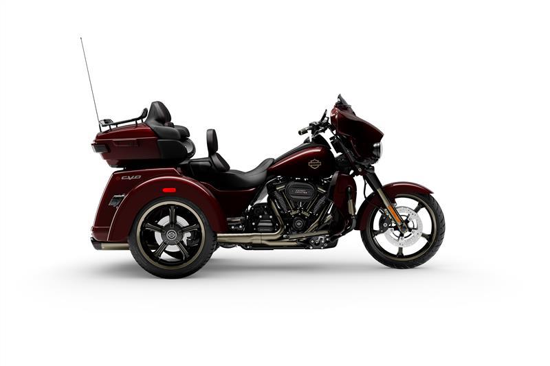 CVO Tri Glide Ultra at Texas Harley