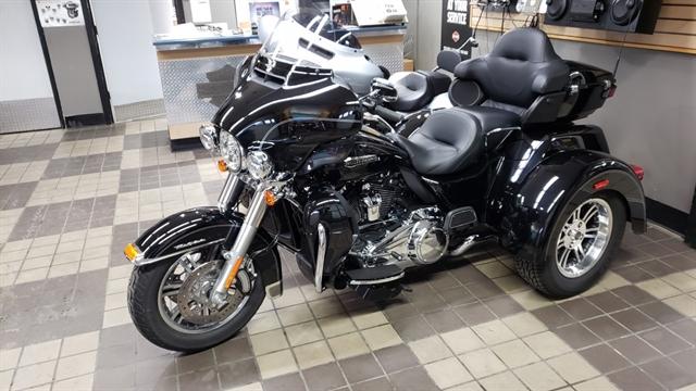 2017 Harley-Davidson Trike Tri Glide Ultra at Zips 45th Parallel Harley-Davidson