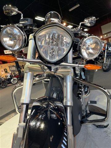 2012 Victory Motorcycles Cross Roads Base at Martin Moto