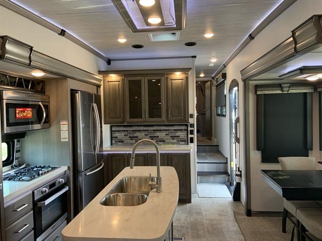 2020 Montana 3813MS 3813MS at Campers RV Center, Shreveport, LA 71129