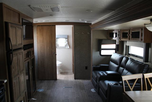 2019 Forest River Rockwood Ultra Lite 2606WS Rear Bath at Campers RV Center, Shreveport, LA 71129