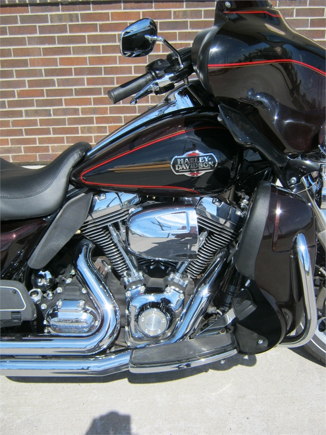 2011 Harley-Davidson Ultra Classic FLHTCU at Brenny's Motorcycle Clinic, Bettendorf, IA 52722