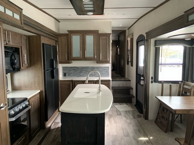 2019 Keystone RV Cougar 315RLS at Campers RV Center, Shreveport, LA 71129