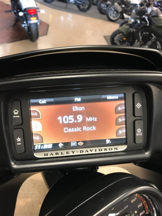 2017 Harley-Davidson Road Glide Ultra at Sloan's Motorcycle, Murfreesboro, TN, 37129