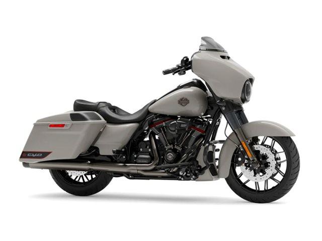 2020 Harley-Davidson FLHXSE - CVO  Street Glide at Roughneck Harley-Davidson