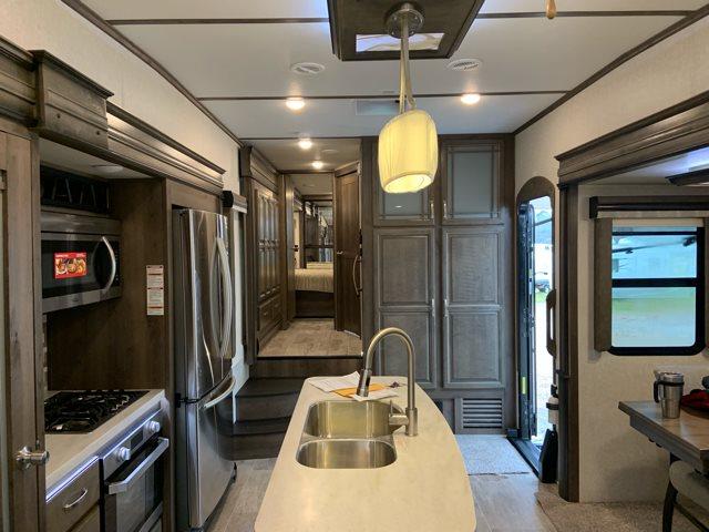 2019 Keystone Montana 3721RL 3721RL at Campers RV Center, Shreveport, LA 71129