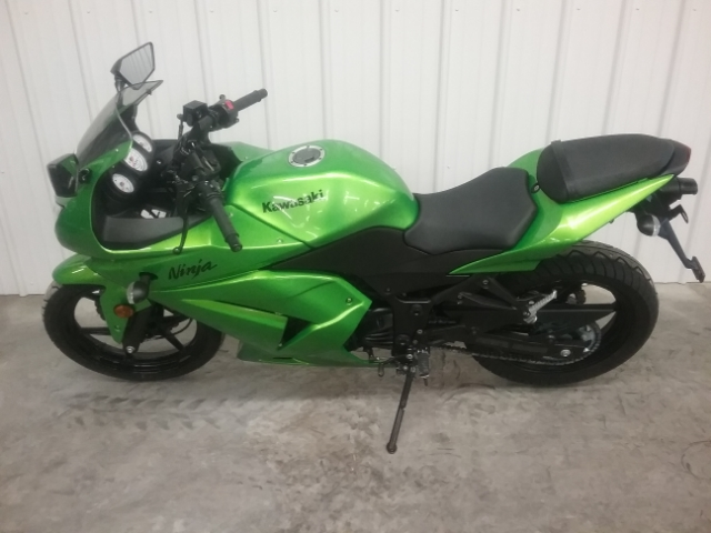 2012 Kawasaki Ninja 250R at Thornton's Motorcycle - Versailles, IN