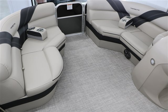 2022 Trifecta LE-Series 22RF LE at Jerry Whittle Boats