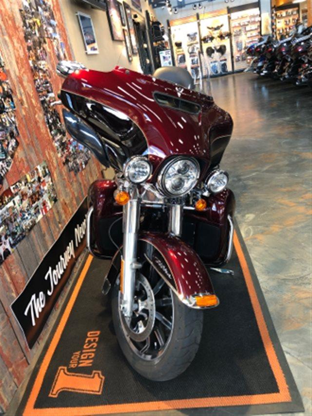 2015 Harley-Davidson Electra Glide Ultra Classic® at Vandervest Harley-Davidson, Green Bay, WI 54303