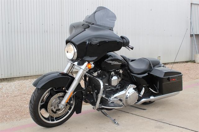 2011 Harley-Davidson Street Glide Base at Gruene Harley-Davidson