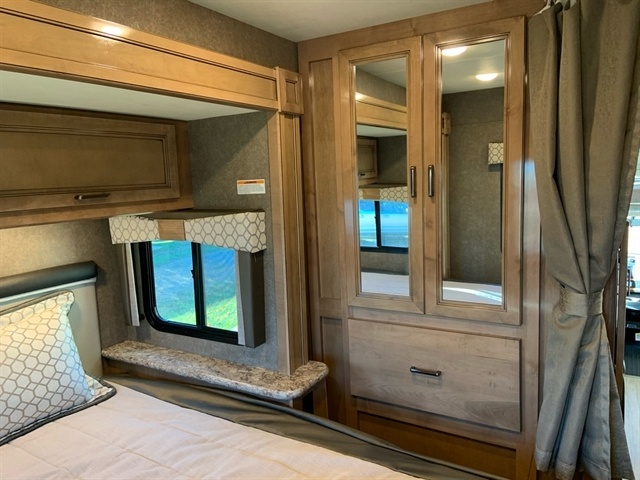 2020 Thor Motor Coach Quantum GR22 at Campers RV Center, Shreveport, LA 71129