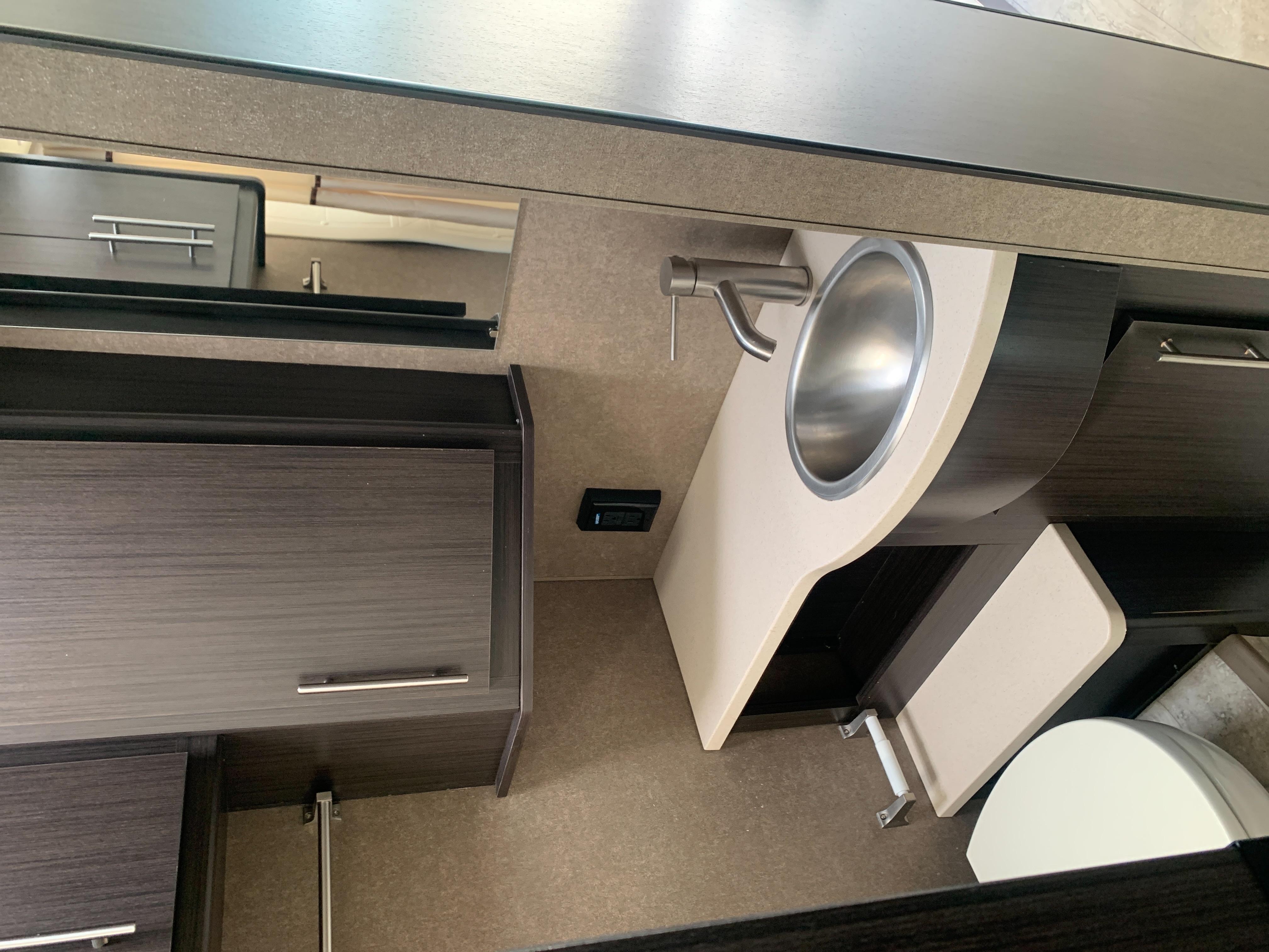 2018 Thor Motor Coach Vegas RUV 25.2 at Prosser's Premium RV Outlet