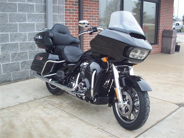 2019 Harley-Davidson Road Glide Ultra at Indianapolis Southside Harley-Davidson®, Indianapolis, IN 46237