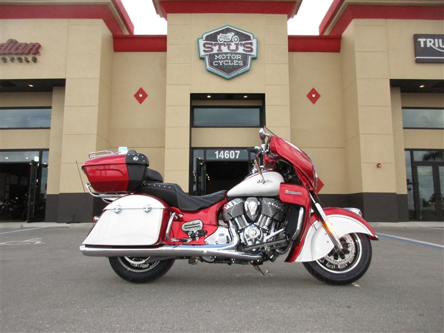 2019 Indian Roadmaster ICON Ruby Metallic / Pearl White at Stu's Motorcycles, Fort Myers, FL 33912