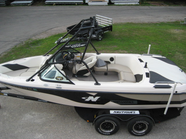 2000 Correct Craft 210 Super Sport Air Nautique at Fort Fremont Marine, Fremont, WI 54940