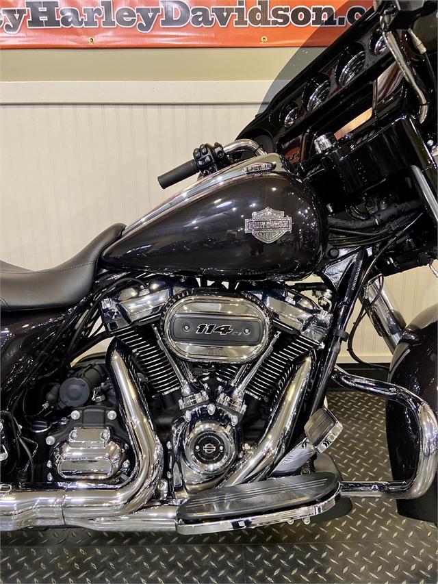 2021 Harley-Davidson Grand American Touring Street Glide Special at Gasoline Alley Harley-Davidson (Red Deer)