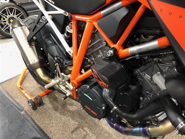 2016 KTM Super Duke 1290 R at Lynnwood Motoplex, Lynnwood, WA 98037