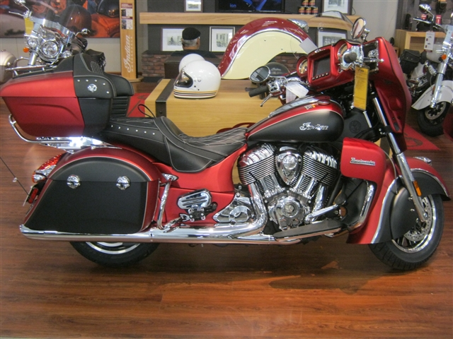 2018 Indian Motorcycle Roadmaster Icon Series at Brenny's Motorcycle Clinic, Bettendorf, IA 52722