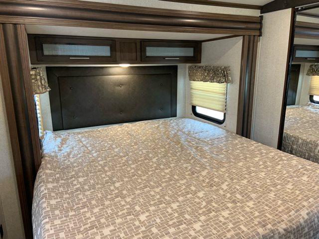 2019 Keystone Cougar Half-Ton 29RLD Rear Living at Campers RV Center, Shreveport, LA 71129