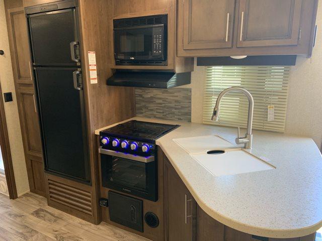 2019 Keystone Cougar Half-Ton 29RLD Rear Living at Campers RV Center, Shreveport, LA 71129