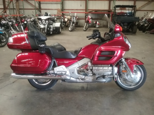 2010 Honda Gold Wing Audio / Comfort at Thornton's Motorcycle - Versailles, IN