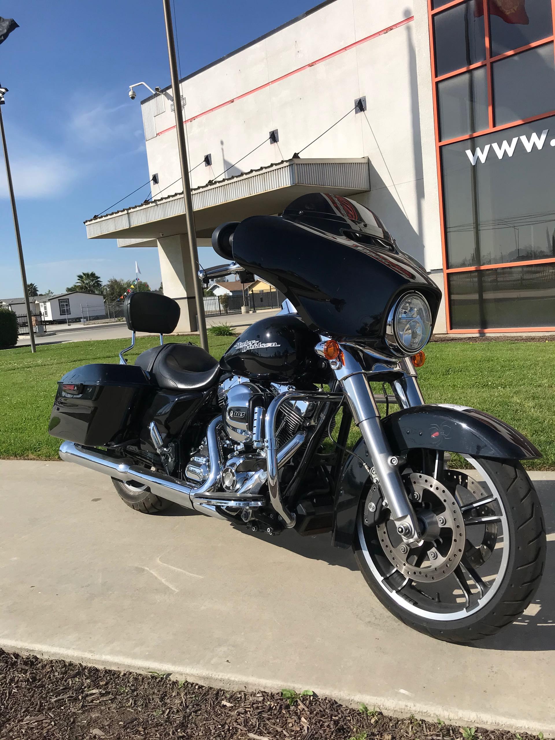 2016 Harley-Davidson Street Glide Base at Visalia Harley-Davidson
