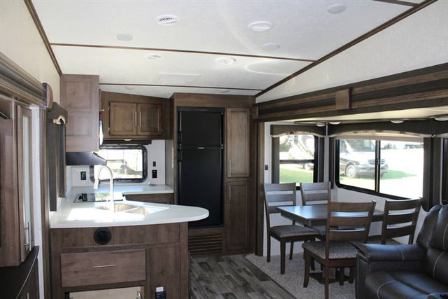 2019 Keystone RV Cougar Half-Ton 29RKS Rear Kitchen at Campers RV Center, Shreveport, LA 71129