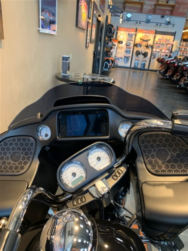 2019 Harley-Davidson Road Glide Base at Vandervest Harley-Davidson, Green Bay, WI 54303