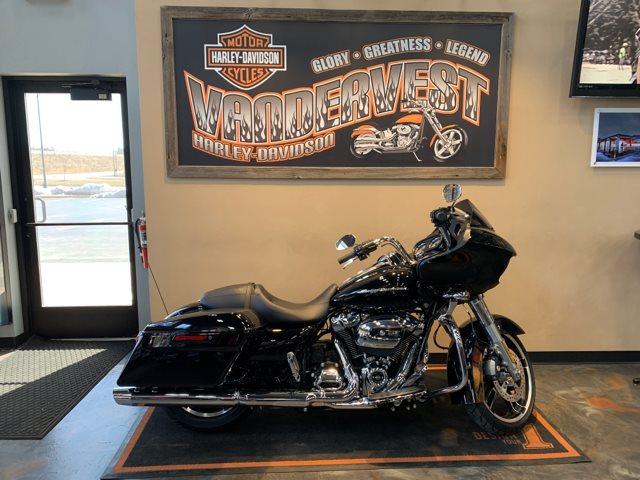 2019 Harley-Davidson Road Glide Base at Vandervest Harley-Davidson, Green Bay, WI 54303