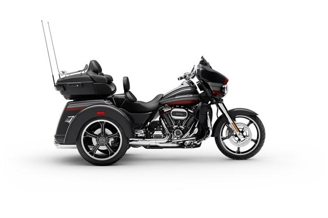 2020 Harley-Davidson CVO CVO Tri Glide at Holeshot Harley-Davidson