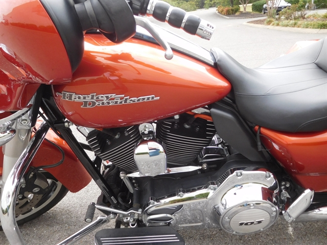 2011 Harley-Davidson Street Glide Base at Bumpus H-D of Murfreesboro